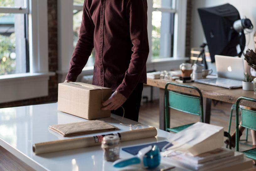 Envío de paquetes y mensajería